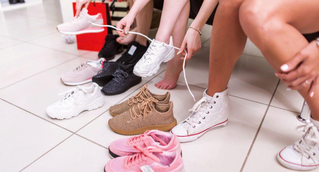 Top 7 cele mai cool modele de pantofi sport cu platformă