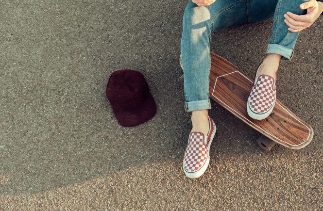 Cei mai cool pantofi sport Vans care trebuie să ajungă în garderoba ta